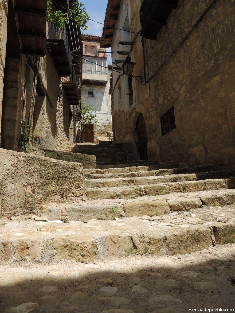 Calle de Valderrobles, Matarraña, Teruel