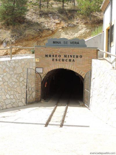 Entrada al Museo Minero de Escucha, se verá