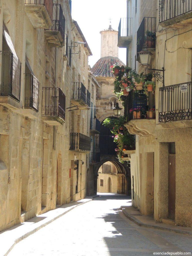 Comarca del Matarraña y sus pueblos bonitos como Calaceite