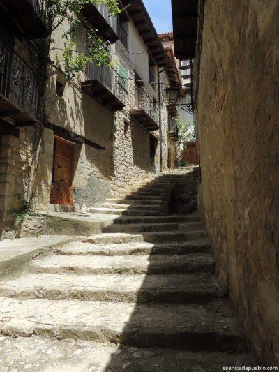 Calle típica en Valderrobles