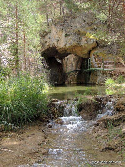 Ruta por el Cañón del Río Blanco de Calomarde